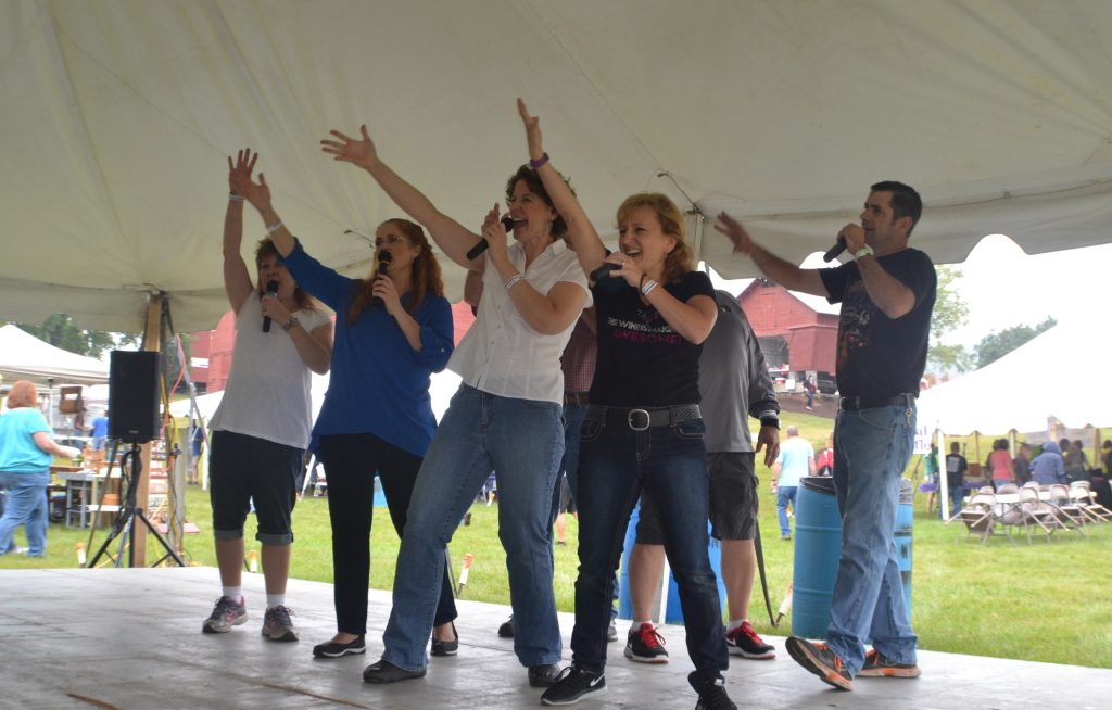 Wyalusing Swing Choir performing at the 2015 wine festival
